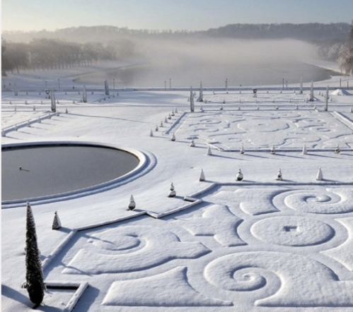 Christmas at Versailles...Stunning