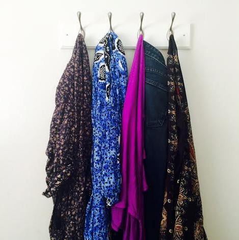 This really works - pick some outfits for the week on Sunday…and it looks pretty!