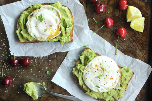 Avocado toast, lime + eggs…delicious. Photo: simplegreenmoms.com